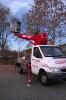 Parkplatzbeleuchtung Reparatur mittels Hubsteiger